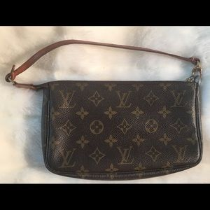 AUTHENTIC LOUIS VIUTTON MONOGRAM POCHETTE